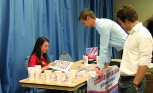 Students interested in politics mingled with area political organizations at the Fall Political Campaign Volun- teer/Legislative Internship Expo Sept. 5. Pictured, sophomore political science major Olga Krapivner and the College Republicans helped students get involved.