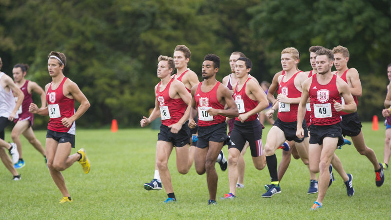 The Bradley men's cross country team finished ahead of multiple nationally ranked teams last weekend at Pre-Nationals. Photo via bradleybraves.com